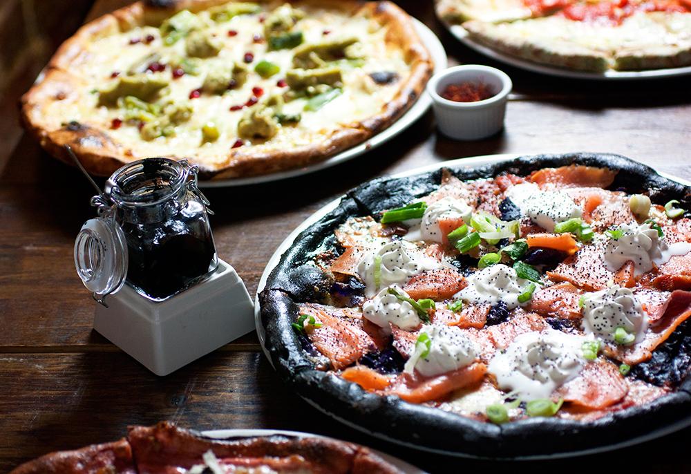 squid ink pizza @ via della pace